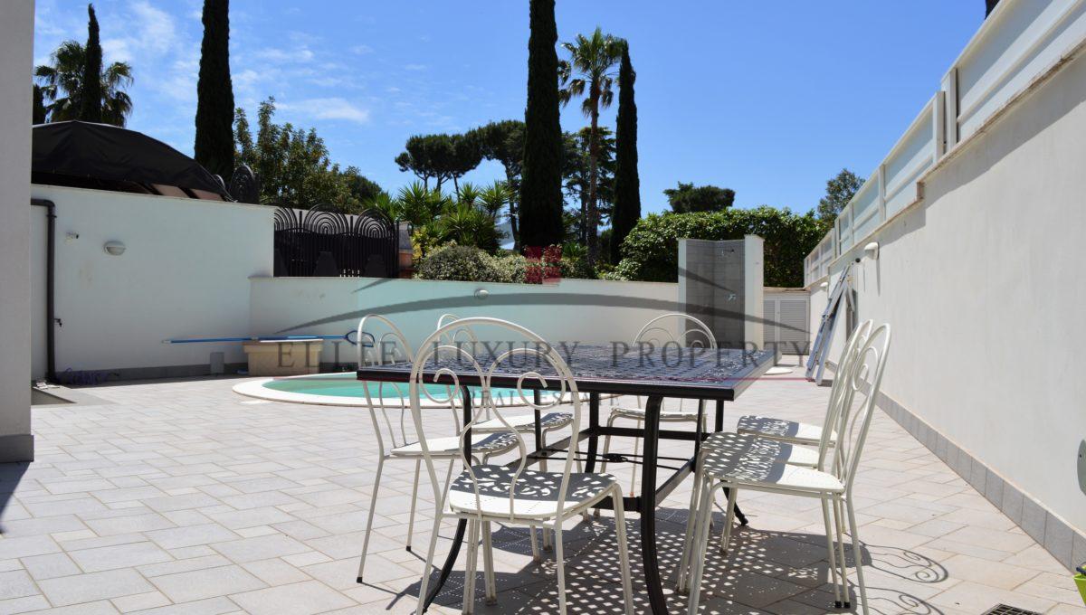 Tavolo piscina